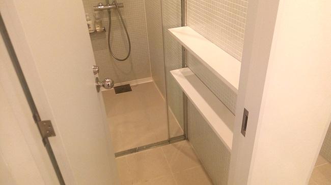 ナインアワーズ竹橋のシャワールーム